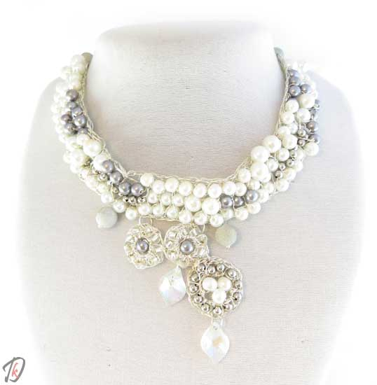 White diva ogrlica/necklace
