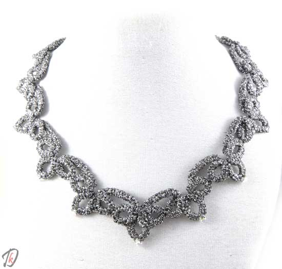 Lace Gray ogrlica/necklace